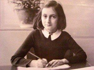 Une voix d'enfant...  Anne Frank. dans LE SAVIEZ-VOUS ? Anne-300x225