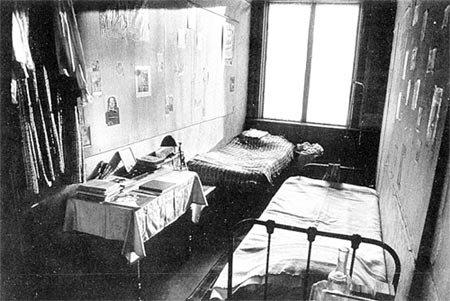 Une Voix D Enfant Anne Frank 183 Desaix
